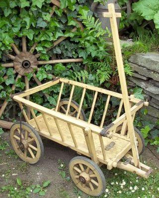 Kinder - Transportwagen - Handwagen - Tafelwagen - Holzhandwagen - Leiterwagen Bild