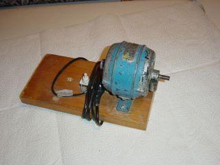 Dampfmaschinen Bastlerteile Elektromotor/generator ? Nur Für Bastler 220volt Bild