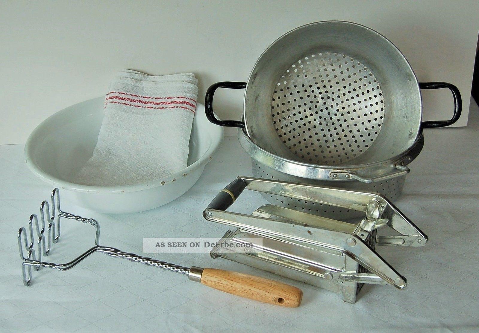 Konvolut Email Schüssel Alu Sieb Pommesschneider Kartoffelstampfer Geschirrtuch Haushalt Bild