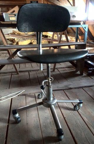 Alter Bürostuhl Schreibtisch Stuhl Drehstuhl Vintage 70er Jahre Schwarz Bild