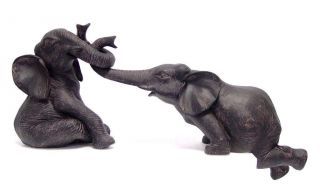 Tierplastik 2 Kleine Spielende Elefanten Tolle Dekoration,  51 Cm Lang Bild