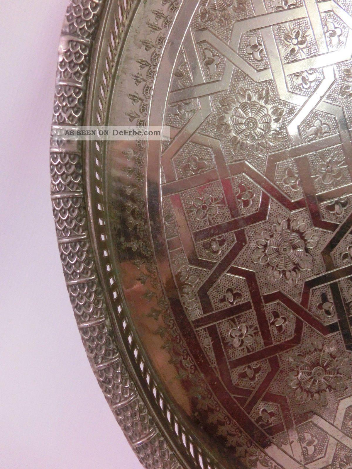 altes gro es orientalisches messing tablett massiv teetablett stempel gravur. Black Bedroom Furniture Sets. Home Design Ideas