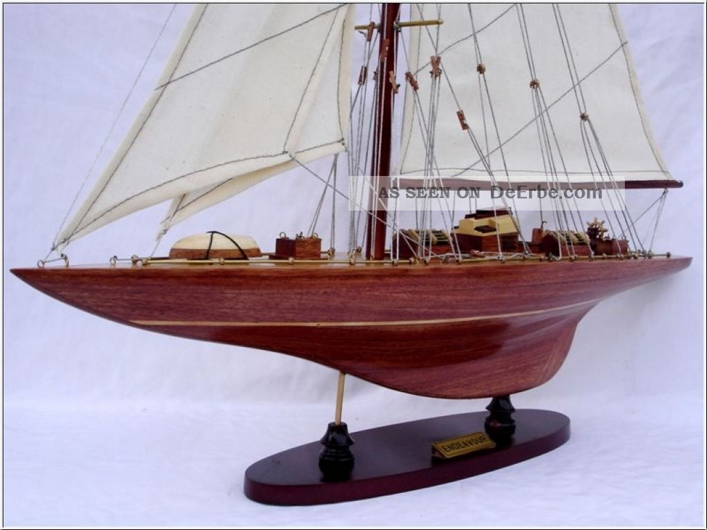 Segelyacht Endeavour Segelschiff Holz Modell L 50cm