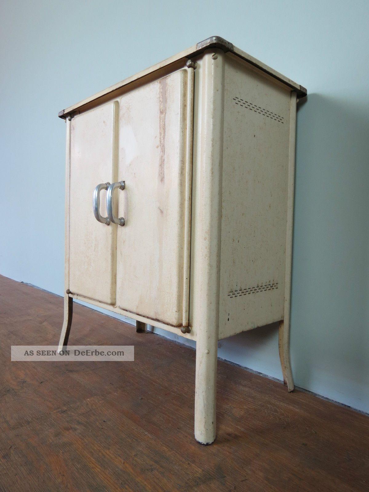 Alter Arztschrank Zahnarztschrank Metallschrank Industriedesign Wardrobe Vintage 1950-1959 Bild