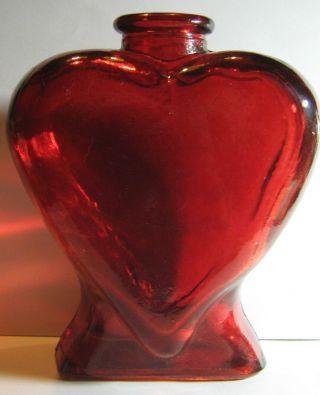 Sehr Alte Schwere Herz - Vase In Rot - Flasche Herzform - 13 X 14 Cm - 650 Gramm Bild