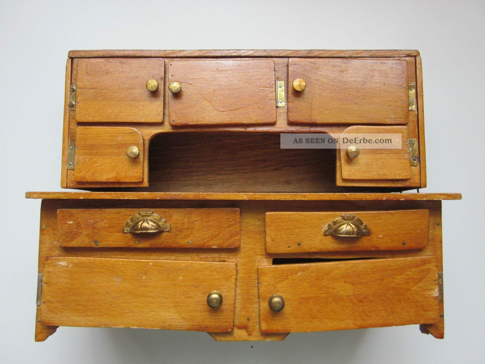 dachbodenfund antikes spielzeug f r puppenstube zweiteiliger schrank. Black Bedroom Furniture Sets. Home Design Ideas