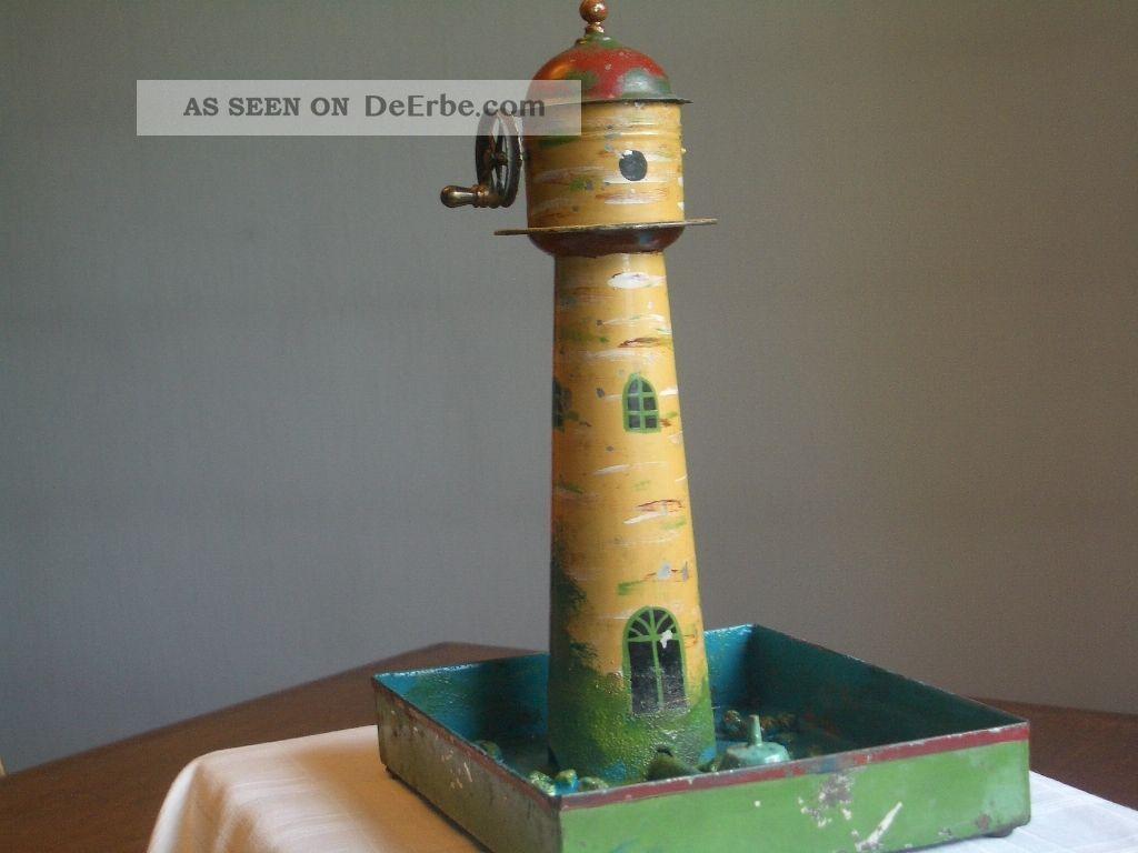 Leuchtturm Mit Springbrunnen Gefertigt vor 1945 Bild