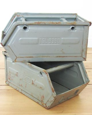Alte Industrie Design Stapelkiste Vintage Loft Industriedesign Rost Shabby Bild