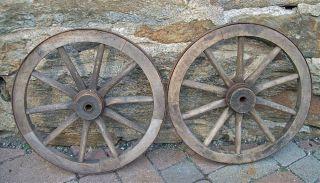 Alt Paar Wagenrad / Holzrad / Handwagenrad / Rad / Handwagen Bild