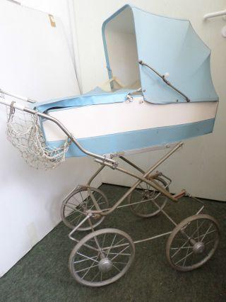 Alter Puppenwagen Puppen Wagen Puppenkutsche Nostalgie Um 1960 Dachbodenfund Bild