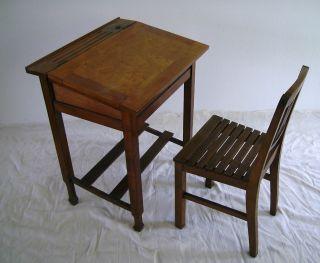 Kinder - Sitzpult Mit Stuhl Bild