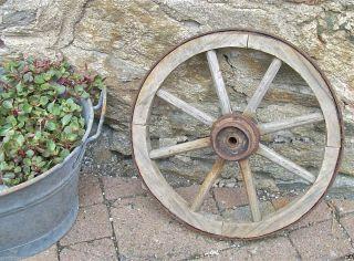 Wagenrad/ Handwagenrad / Holzrad / Handwagen / Gartendekoration Bild