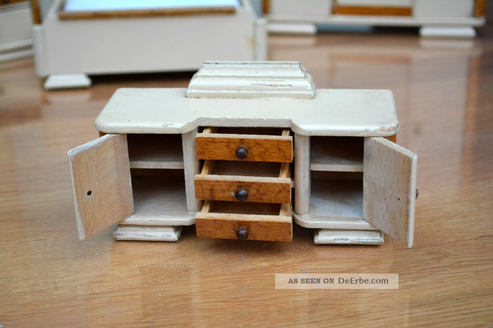 antike schlafzimmerm bel f r die puppenstube 40 er. Black Bedroom Furniture Sets. Home Design Ideas
