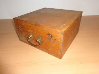 Alte Schatulle Aufbewahrungskasten Schmuckschatulle Nähkasten Werkzeugkasten Bild