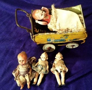 Antiker Puppenwagen Aus Metall,  4 Antike Puppen Bild