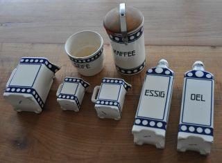7 Alte Küchengefäße Korbmarke Oel - Und Essigflaschen,  3 X Kännchen,  Kaffeedose Bild