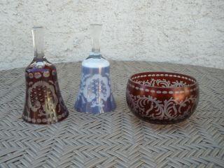 Konvolut Kristallglas Rubinrot Rubinglas 2 Glocken (eine Blau) Und Eine Schale Bild