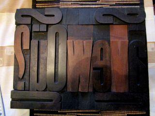 Grosse Holzlettern Alte Holzbuchstaben Lettern Assemblage Buchdruckerei Bild