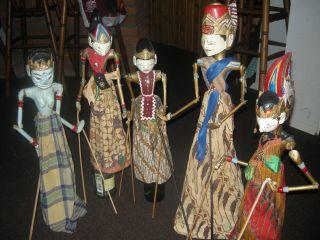 5 X Antike Marionetten Puppen Aus Indonesien Sammlung.  Alt - Älter - Ganz Alt. Bild