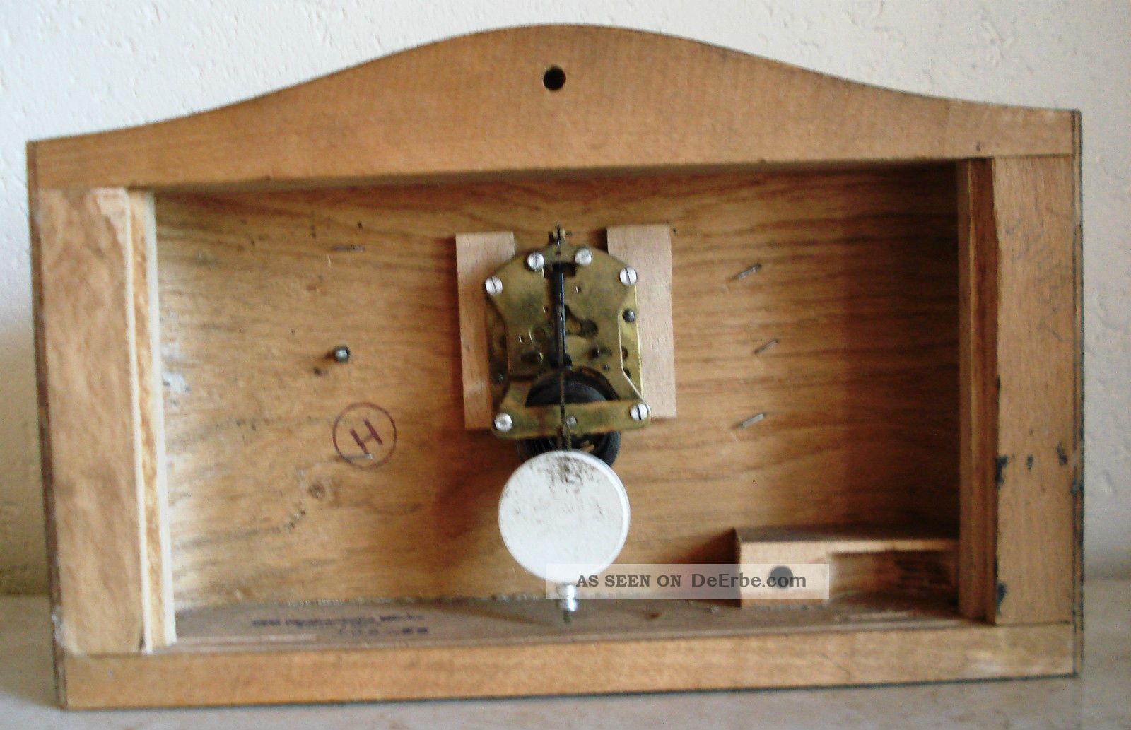 kleine alte kaminuhr mit pendel. Black Bedroom Furniture Sets. Home Design Ideas