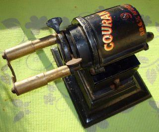 Courant No.  9 Bleistiftanspitzer Spitzmaschine Old German Pencil Sharpener Bild