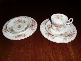 Royal Albert Bon China Moos Rose 1 Kaffeegedeck & 1 Kuchenteller & Unterteller Bild