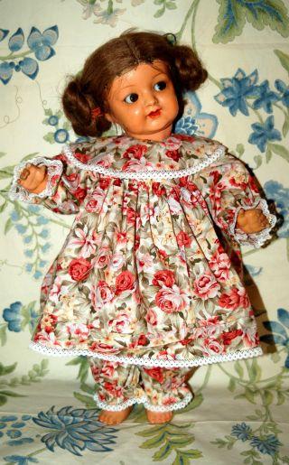 Süsses Masse Puppenmädchen Puppe Mit Schelmenaugen - Germany Bild