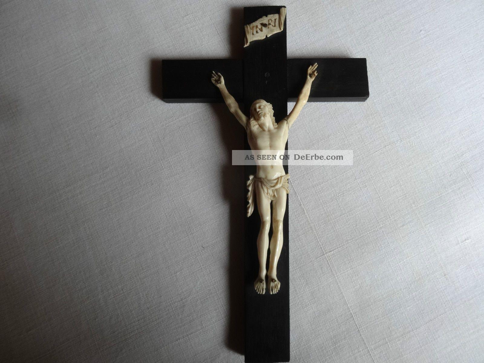Kruzifix Kreuz Aus Ebenholzolz,  Korpus Aus Bein,  Handgeschnitzt Beinarbeiten Bild