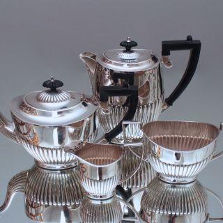 Sheffield,  England: Teeservice Queen Anne,  Plated,  Teekanne,  Kaffeekanne,  Silber Bild