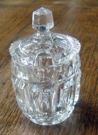 Kleines Glas Napf Mit Deckel Schwer Antik Senfglas Für Die Festliche Tafel Bild
