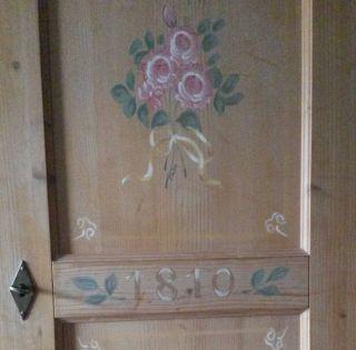 Weichholzschrank Mit Bauernmalerei Wäscheschrank Dielenschrank Garderobeschrank Bild