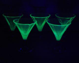 Art Deco 5 LikÖr - Kristall - GlÄser Uran - Glas Schwarzer Fuß Restaurationsbedürftig Bild