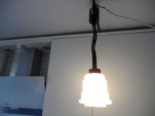 Alte Hängelampe,  Zuglampe,  Bauhaus Stil,  Opalglas - Kuppel/schirm,  Ohneauszug:61cm Bild
