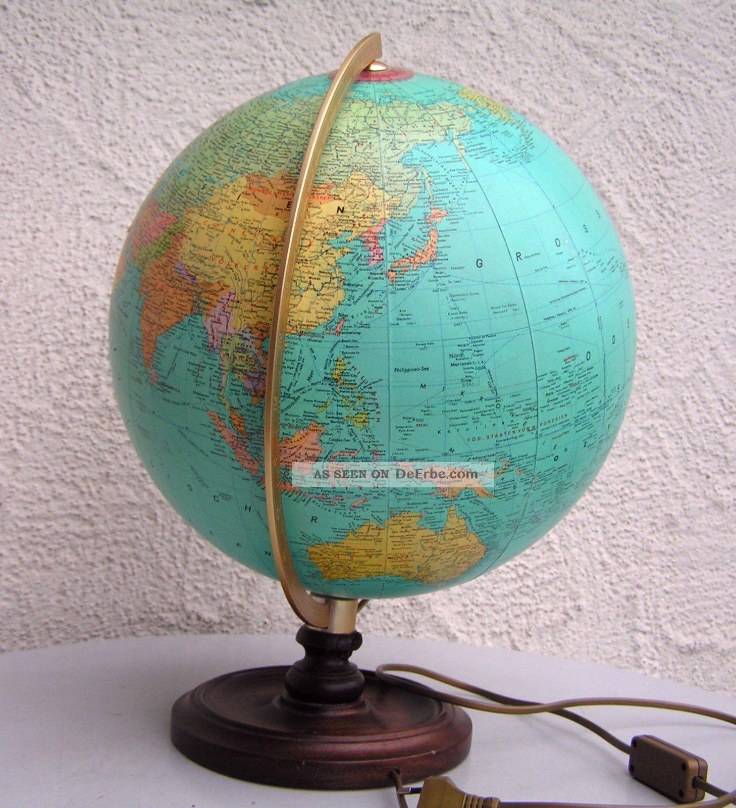 globus alt erdball weltkugel als lampe bzw beleuchtet 70er jahre holz fuss. Black Bedroom Furniture Sets. Home Design Ideas