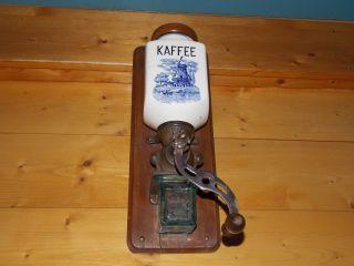 Dienes Kaffeemühle,  Wandkaffeemühle,  D.  R.  G.  M. ,  Hollandmotiv,  Ca.  30 Er J. ,  Selten Bild