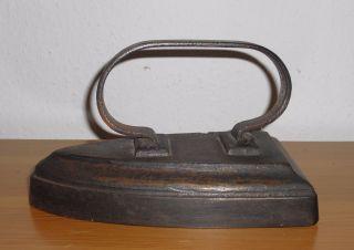 Altes Antikes Schweres Bügeleisen Eisenguß Ca.  3kg Bild