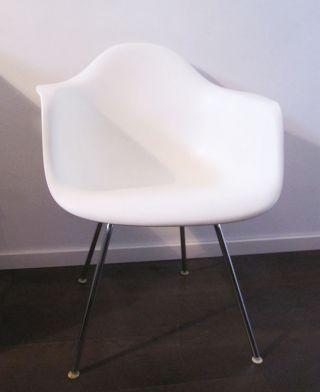 Vitra,  Eames Armchair Sitzschale,  Kunststoff,  Weiss Bild