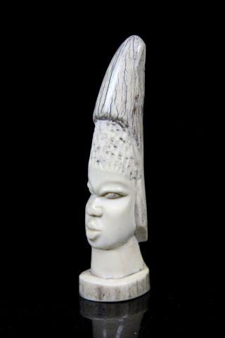 Handgeschnitzte Alte Bein Skulptur Südostasien Ureinwohner Schnitzkunst Kopf Bild