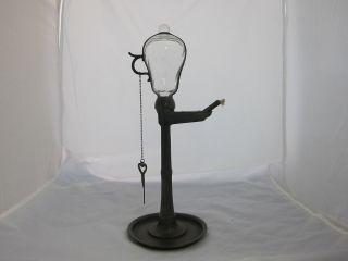 1 Öllampe Aus Zinn Mit Glasballon Und Zeitmesslatte Kellerfund Deko Alt 13604 Bild