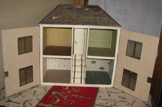 Uraltes Puppenhaus Puppenstube Bild