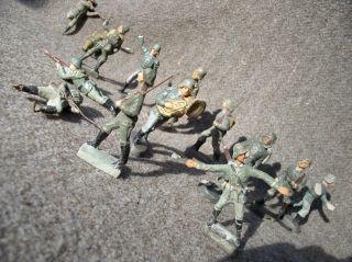 Einige Soldaten,  Leider Auch Schwer Kriegsbeschädigte Dabei. Bild