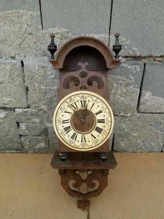 Alte Uhr,  Wanduhr,  Regulator?? Bild