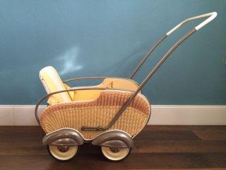 50er Puppenwagen Korbgeflecht Midcentury Vintage Bild