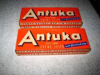 Schöne Alte Packung Mit Seife.  Antuka Creme - Seife.  Tante - Emma - Laden Bild