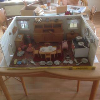 Große Alte Puppenküche Bild