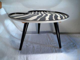 50er Jahre Nierentisch Blumentisch Zebra Keramik Holz 3 Beine H 22 Cm X 38x28 Cm Bild