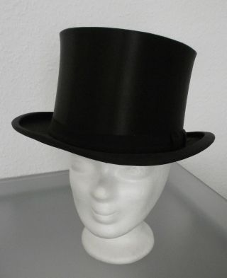 Eleganter Chapeau Claque Bild