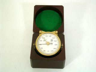 Sehr Schönes Luftdruckmessgerät,  Barometer In Edelholzbox,  Top Bild