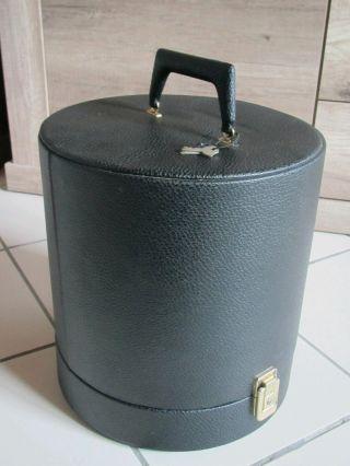 Perückenkoffer Bild