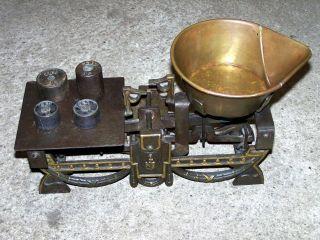 Alte 1kg Balkenwaage V.  1924 Gusseisen Messing Wiegeschale Gewichte Waage Scales Bild